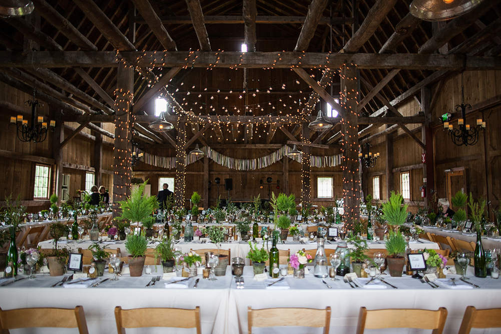 ashleyphil_reception_barn