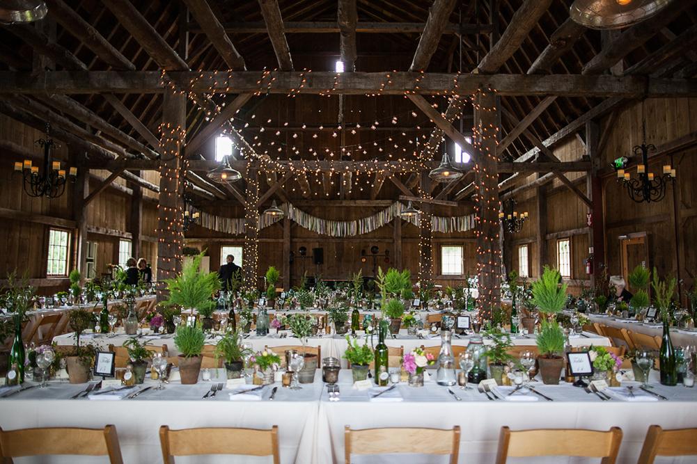 ashleyphil_reception_barn